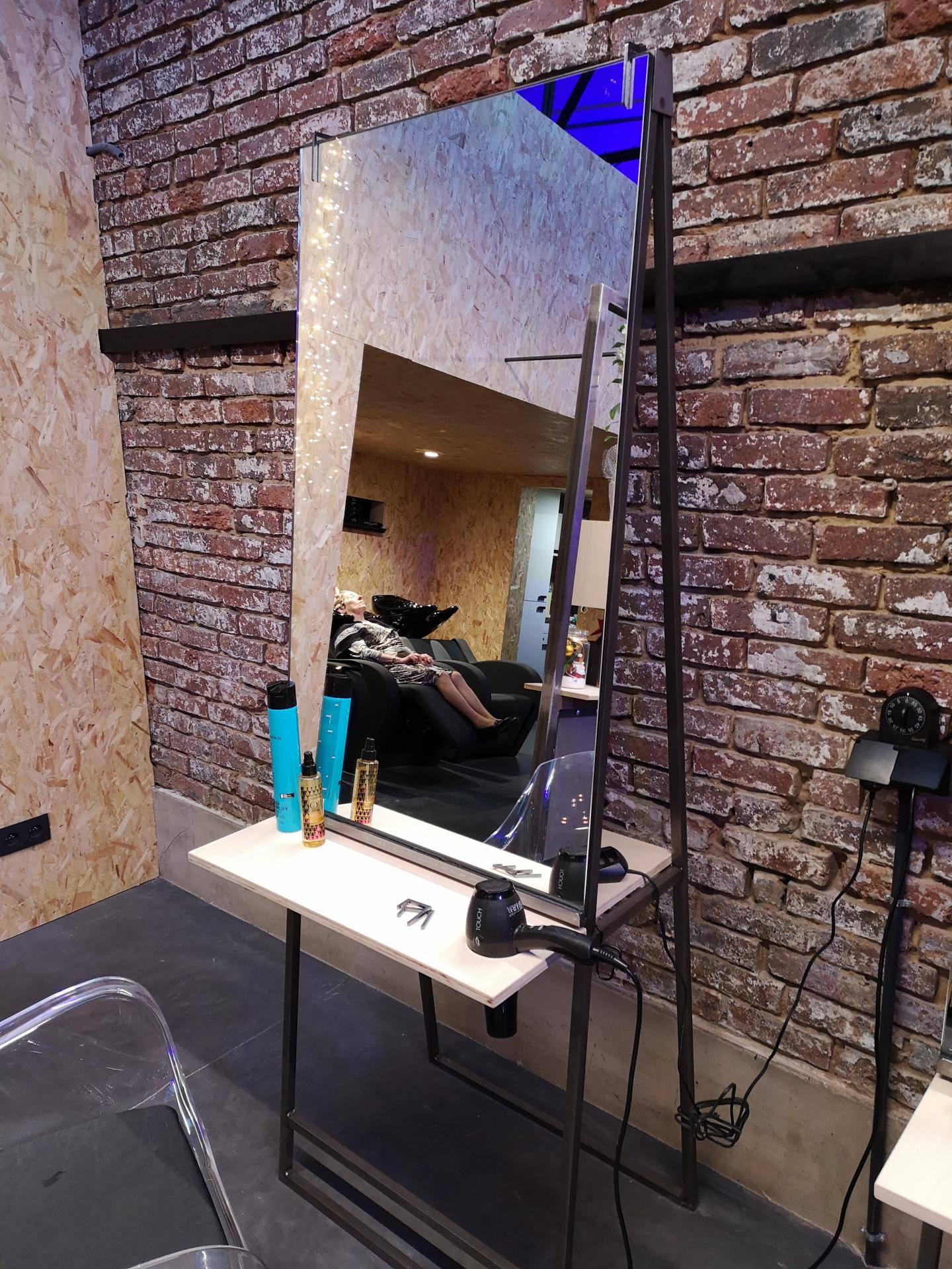 mirroir salon de coiffure