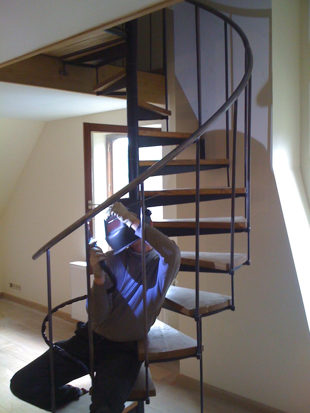 Rampe hélicoïdale sur escalier ancien